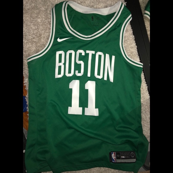 c81cb4240d4 Kyrie Irving Icon Edition Swingman Jersey. M 5b1af913aaa5b8518acd8e8f